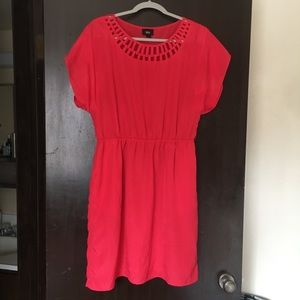 Lightweight strawberry red dress L